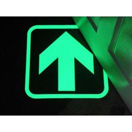 Glow-in-the-Dark-Pfeil zur Kennzeichnung von Fluchtwegen